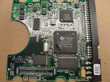 91021U2, Maxtor 10GB Code FA520S60 [KMBE] IDE 3.5 PCB