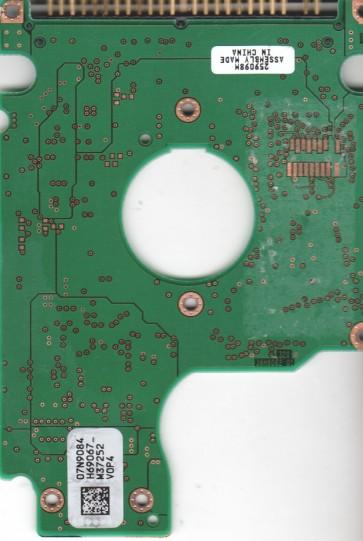 IC25N010ATCS04-0, 07N9084 H69067_, PN 07N8324, Hitachi 10.05GB IDE 2.5 PCB