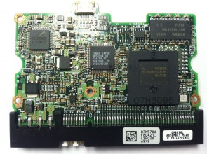 DTLA-307030, PN 07N3929, 07N5786 F80421_, IBM 30.7GB IDE 3.5 PCB